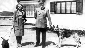 400973-hitler-dogs